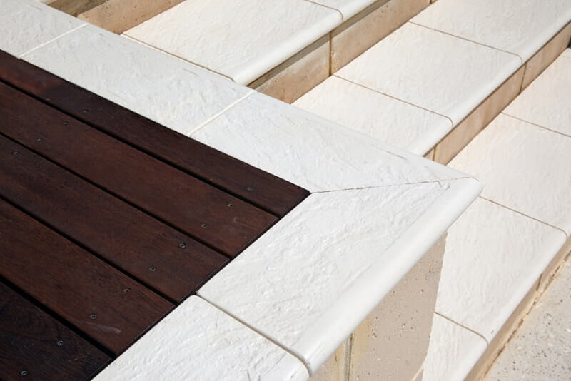 Stairs and wall with Castlestone bullnose capping in Landscaping Narrow & 400 sizes