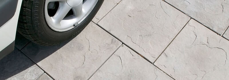 60mm paving for a driveway in Castlestone Slate pattern